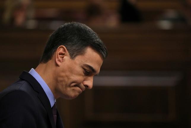 La oposición cerca a Sánchez y le exige elecciones SUSANA VERA