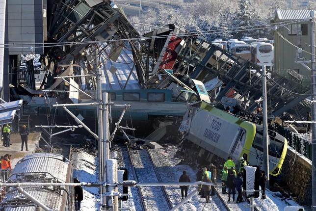 Nueve muertos en Turquía en un accidente ferroviario STR