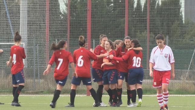 Celebración del gol de Miriam Rivas, el segundo de Osasuna frente al Revellín