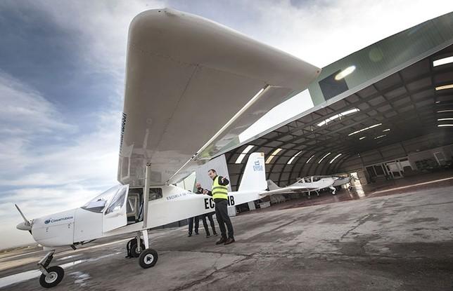 Uno de los hangares del aeródromo de Casarrubios del Monte.