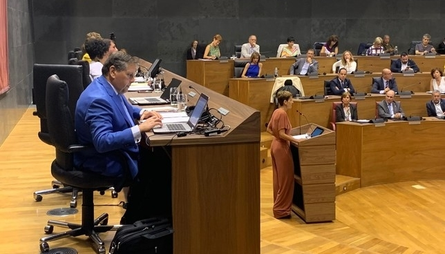 Chivite promete un gobierno comprometido con el autogobierno