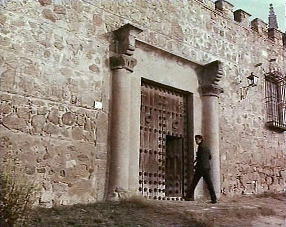 El palacio de los duques de Maqueda (junto a San Juan de los Reyes) no es precisamente un escenario habitual dentro del cine toledano.