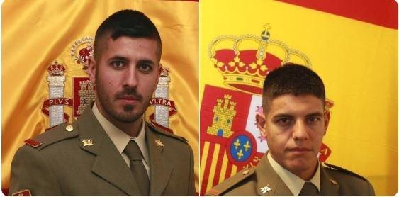 Los soldados Daniel Jiménez y Lorenzo Carmona