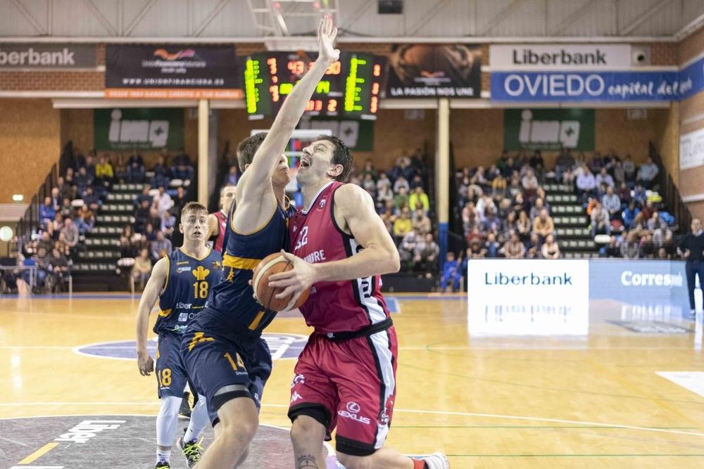 El Carramimbre gana en Oviedo y mantiene el liderato