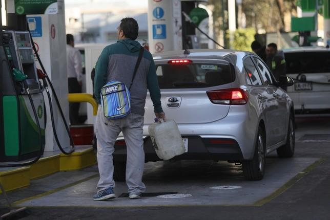 Los carburantes elevan sus precios en febrero Sáshenka Gutiérrez Sáshenka Gutiérrez
