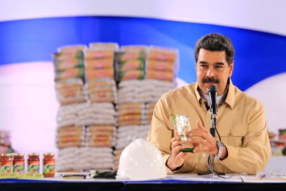 Maduro despliega al Ejército en la frontera con Colombia
