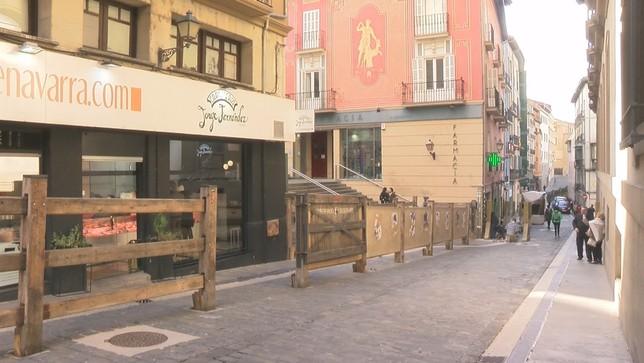 Pamplona luce vallado del encierro en pleno mes de marzo