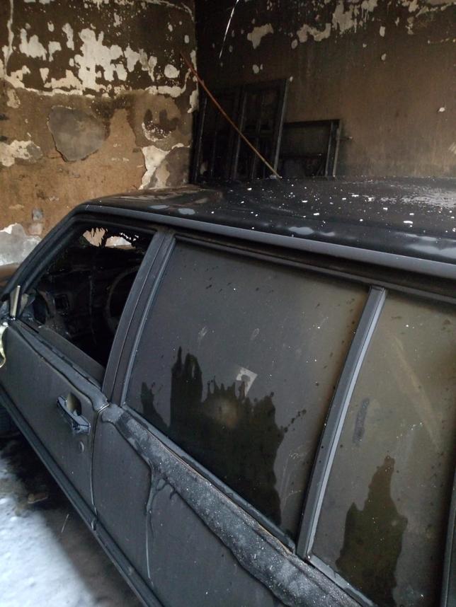 Arden dos coches en un garaje del centro de Miguelturra
