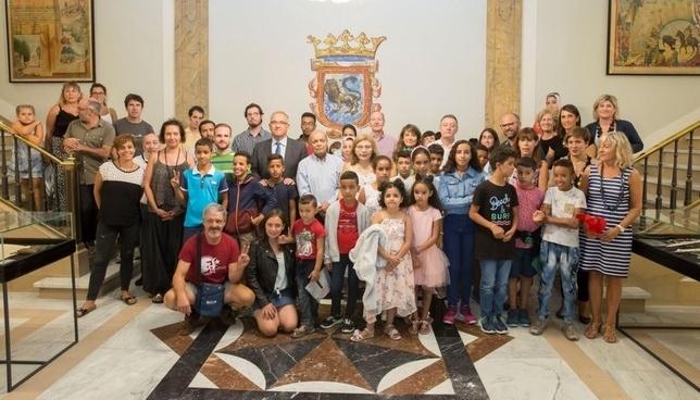 94 niños escapan del calor de Sáhara y disfrutan de Pamplona