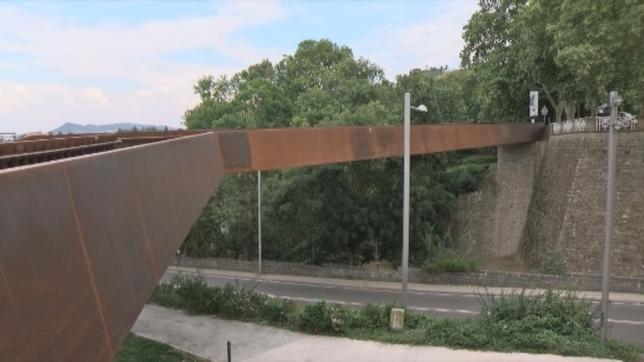 El Ayuntamiento desmontará en marzo la pasarela del Labrit