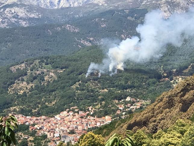 Un nuevo incendio, ya controlado, alarma en El Arenal