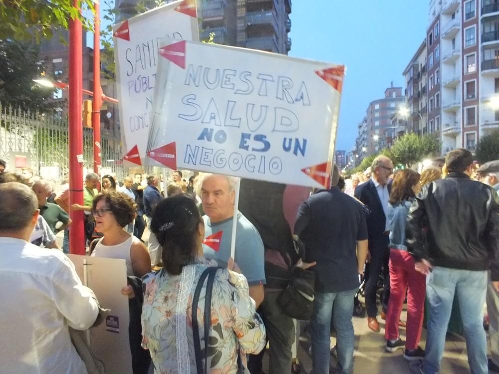 4.000 mirandeses toman la calle en defensa de la sanidad