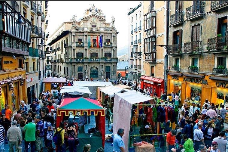 El Mercado Medieval de Pamplona abre sus puertas a lo grande