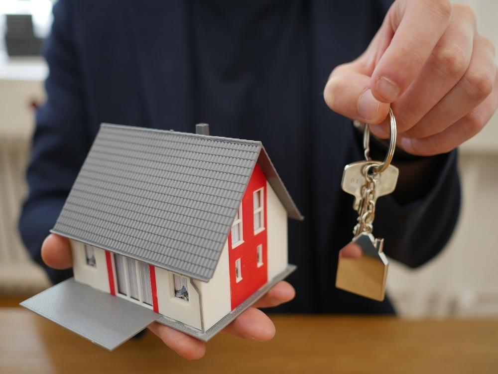 La compraventa de viviendas vive su peor agosto desde 2015
