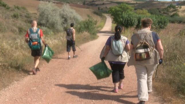 Voluntarios conciencian para lograr un Camino más sostenible