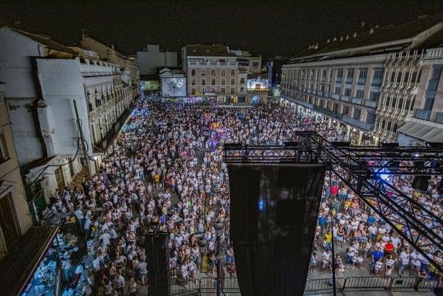 De los vivas a la Virgen del prado a la fiesta en la plaza