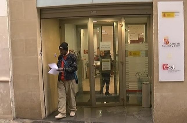 La mayoría de extranjeros desempleados no reciben ayudas