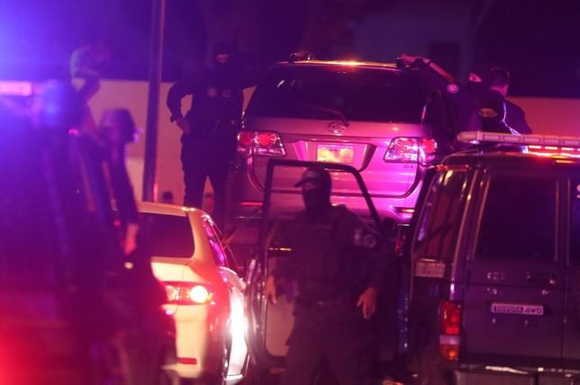 Imagen del operativo en el que agentes del SEBIN detienen a Zambrano en el interior de su vehículo