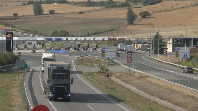 Los camiones reemprenden ruta tras la cumbre del G7