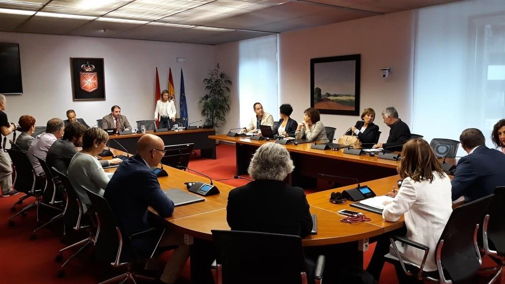 Los socios se imponen en las comisiones del Parlamento