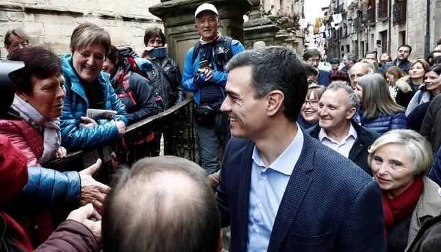 Pedro Sánchez visita Viana para pedir el voto navarro Jesús Diges