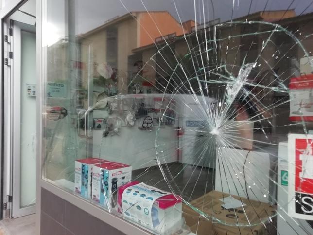 Siete escaparates rotos en Soria durante el fin de semana