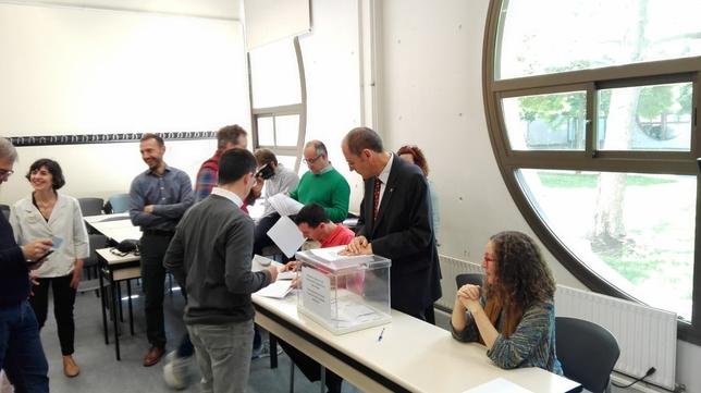 La UPNA elige hoy a su próximo rector o rectora