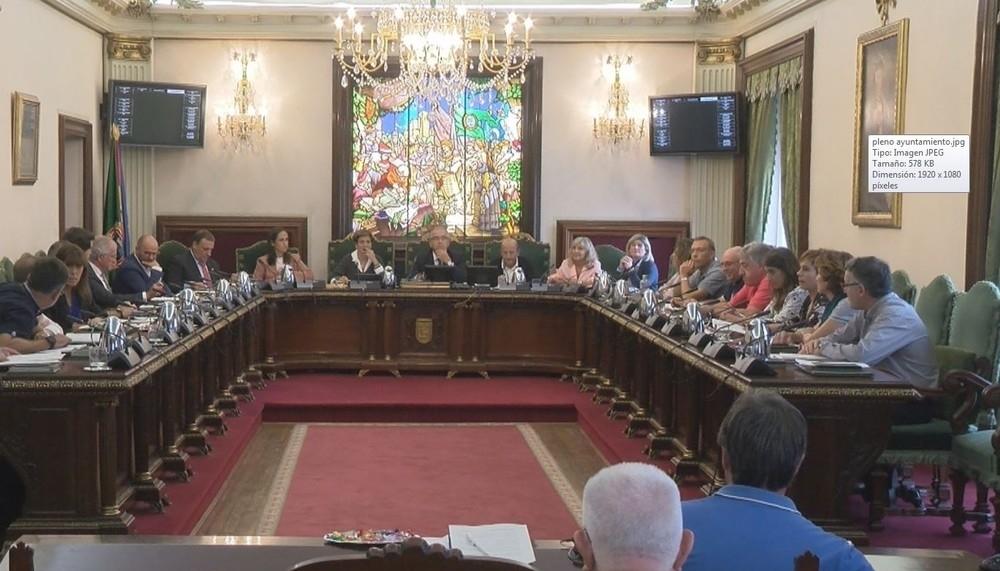 La 'resaca sanferminera' centra un tenso pleno en Pamplona