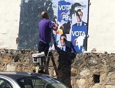 Comiezan la retirada de la cartelería electoral
