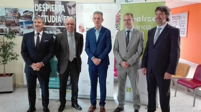 Ávila pide tres nuevos ciclos de FP para el curso que viene