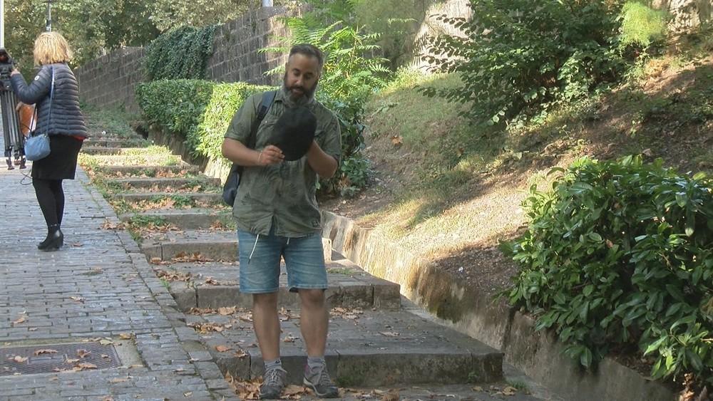 `Un cazatormentas': conocemos al autor del vídeo más viral
