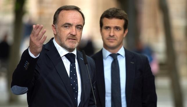 Javier Esparza y Pablo Casado EFE-Iñaki Porto