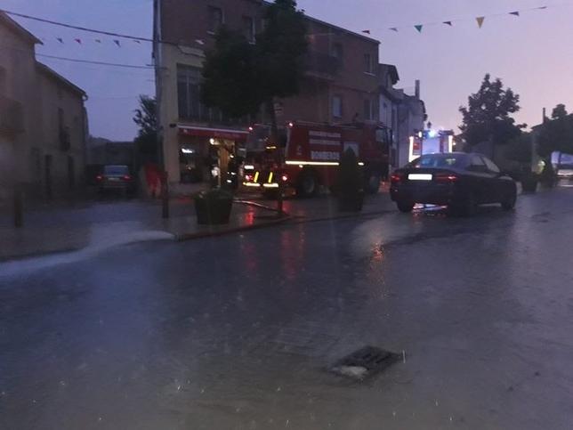 Una virulenta tormenta deja un reguero de inundaciones