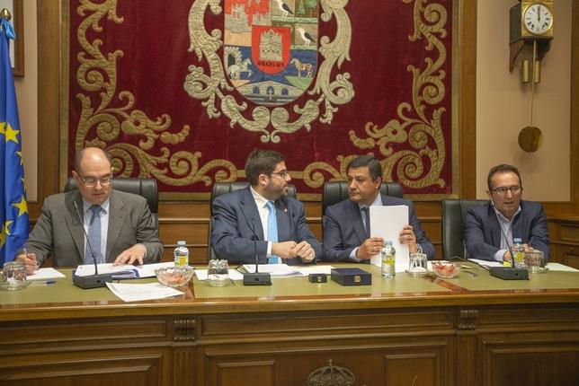 El presidente de la Diputación ya es diputado no adscrito Belén González