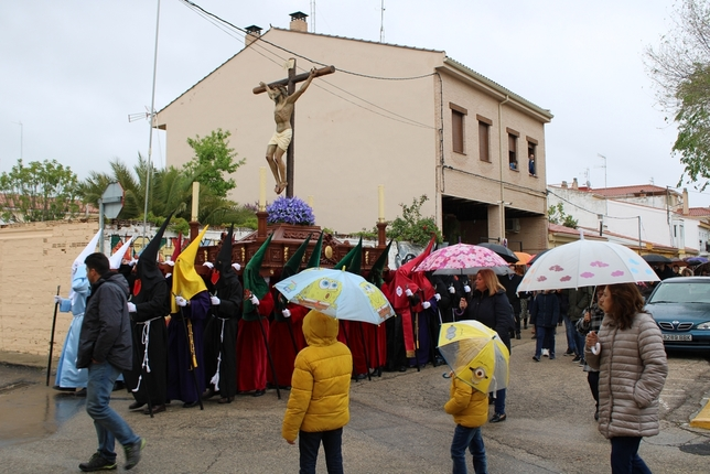 La lluvia no da tregua a las 'Siete Palabras' en Tarancón