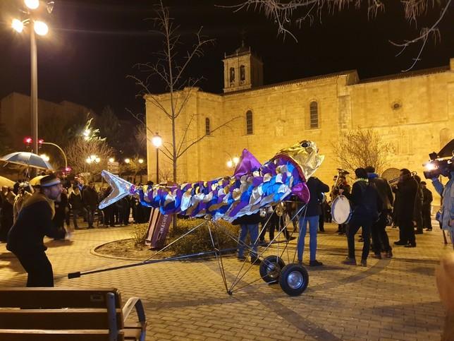 El entierro de la sardina pone el broche al Carnaval