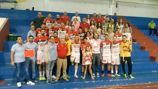 200 aficionados acompañarán a Balonmano Nava en Pontevedra