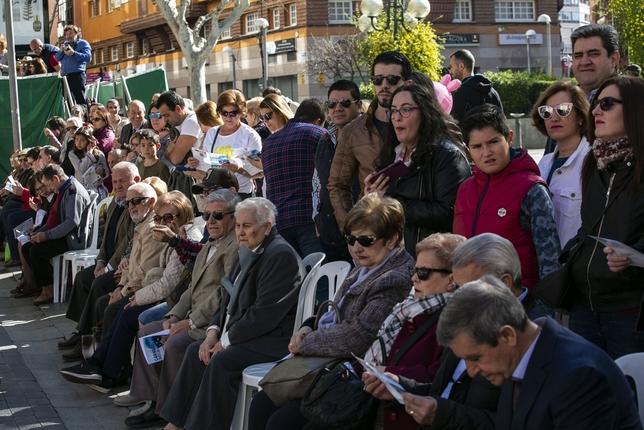 Miles de personas, en el recorrido del desfile de Piñata Rueda Villaverde