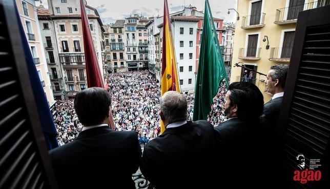 La música de AGAO se asoma a los balcones del Ayuntamiento Daniel Sánchez-AGAO