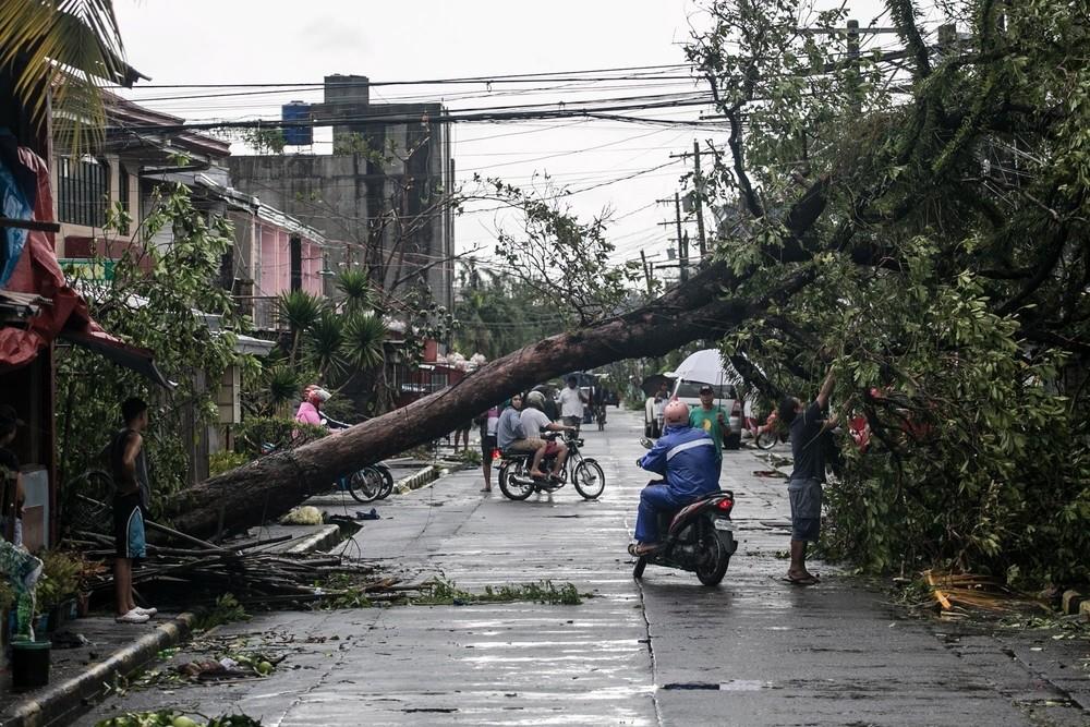 Al menos 10 muertos tras la llegada del tifón 'Kammuri'
