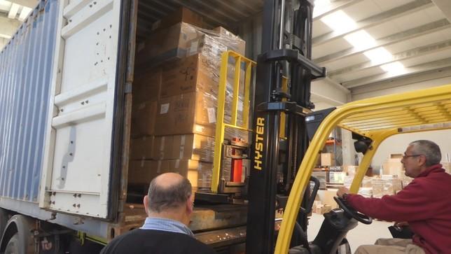 El Espinar envía 21.000 kilos de solidaridad a Benín