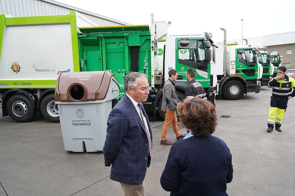 El servicio de basuras incorpora cuatro vehículos híbridos