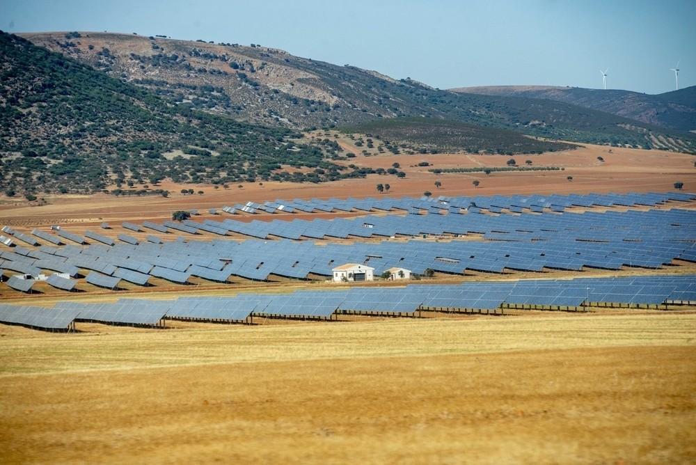 'Naturgy' abre el mayor parque fotovoltaico de la región