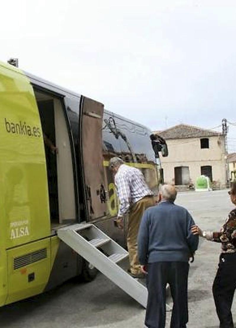 La Diputación instalará cajeros en 5 pueblos con mil vecinos