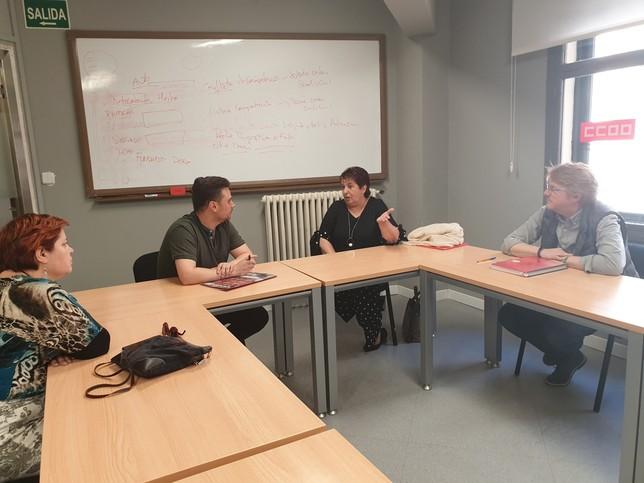 Reunión de Luquero con el secretario provincial de CCOO, Álex Blázquez.