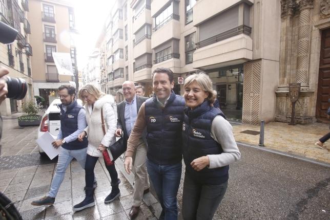 Encuentro de Teodoro García Egea con Nuevas Generaciones de Valladolid