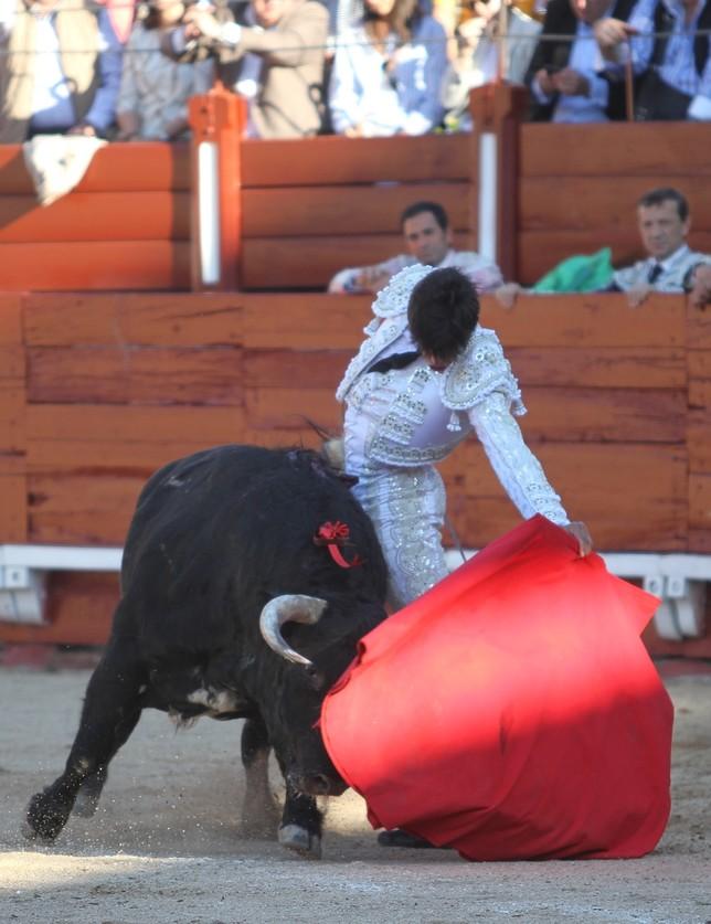 Téllez arrolla en Domingo de Ramos Joaquin Romera