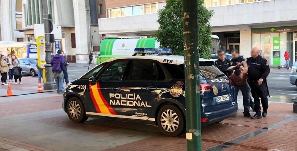 Detenido por destrozar varias cristaleras en plaza de España