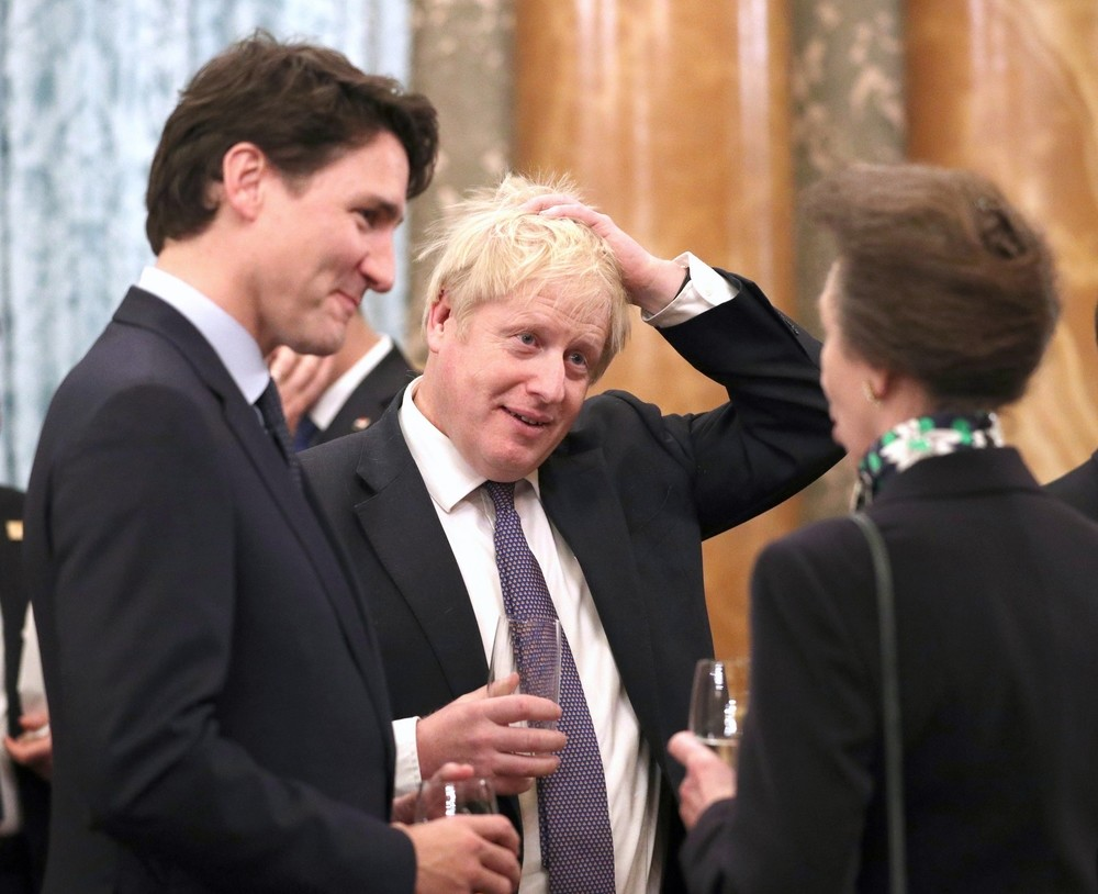 Justin Trudeau junto a Boris Johnson y la princesa británica Anne