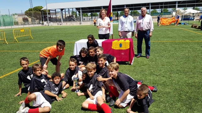 Los jugadores del Atlético Puertollano festejan el título.
